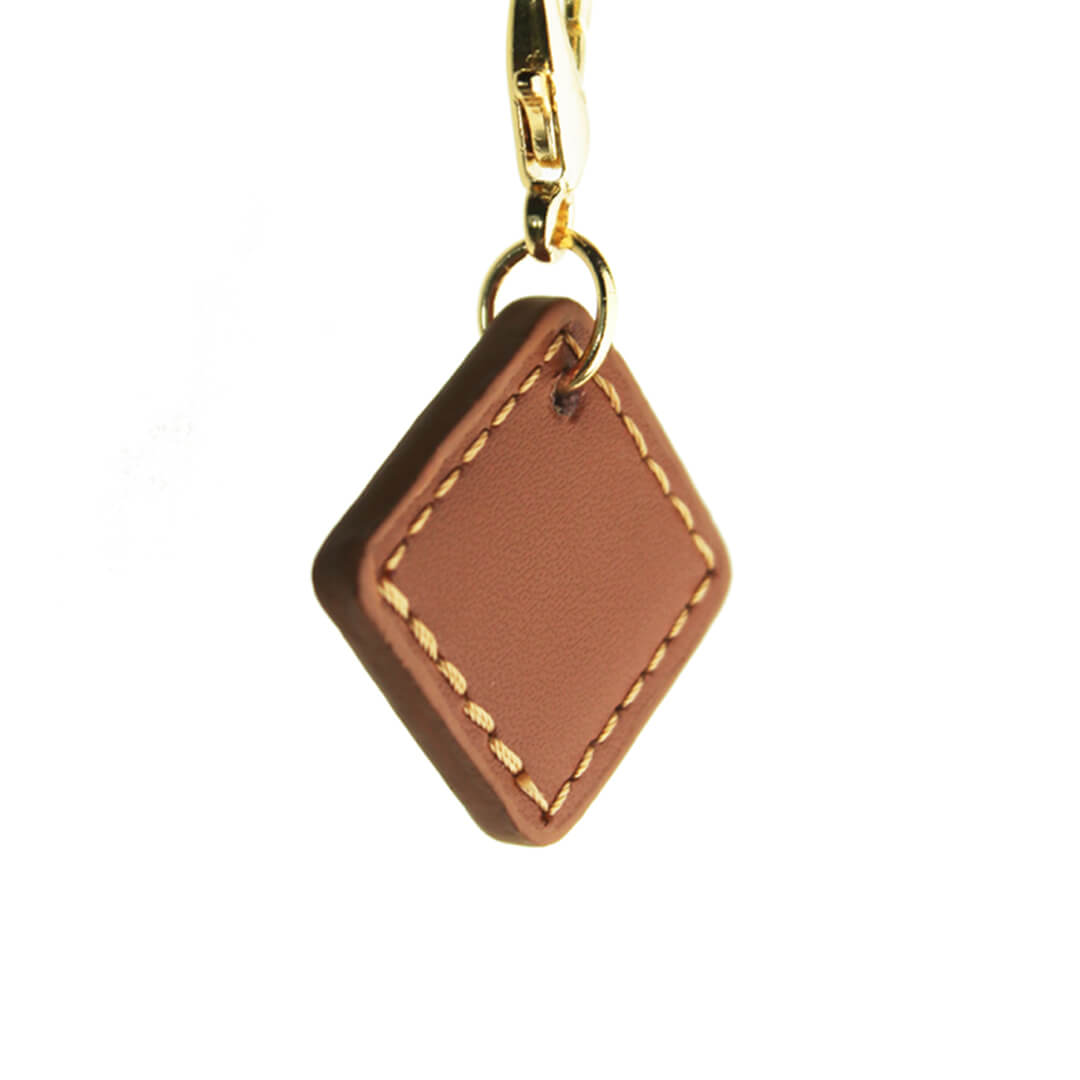 Luxury leather dog tag to be personalized